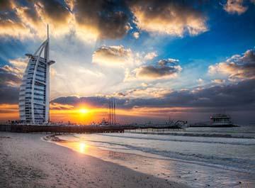 سواحل خیره کننده دبی