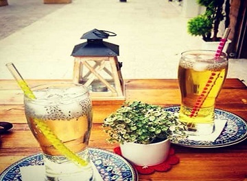 کافه گردی در مشهد